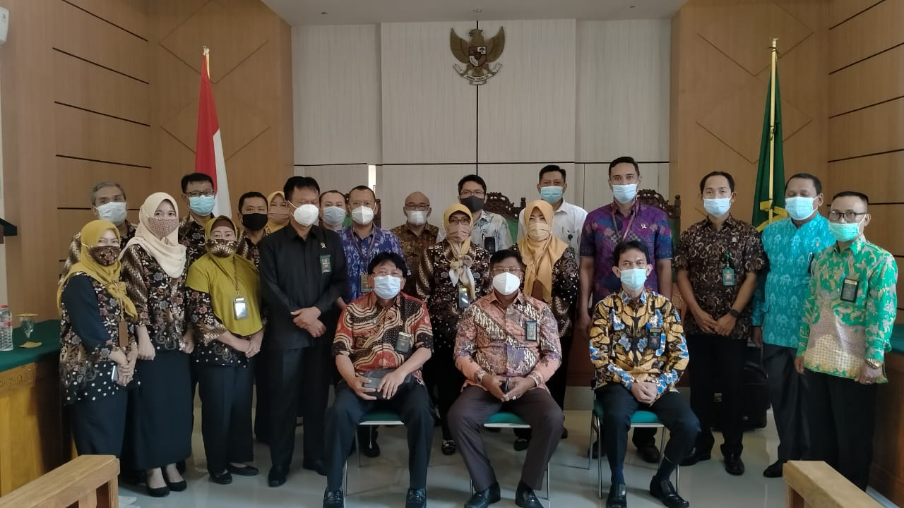 Kunjungan Kerja dan Pembinaan Bapak Dirjen Badilum Dr. H. PRIM HARYADI, S.H., M.H. di Kantor Pengadilan Negeri Situbondo