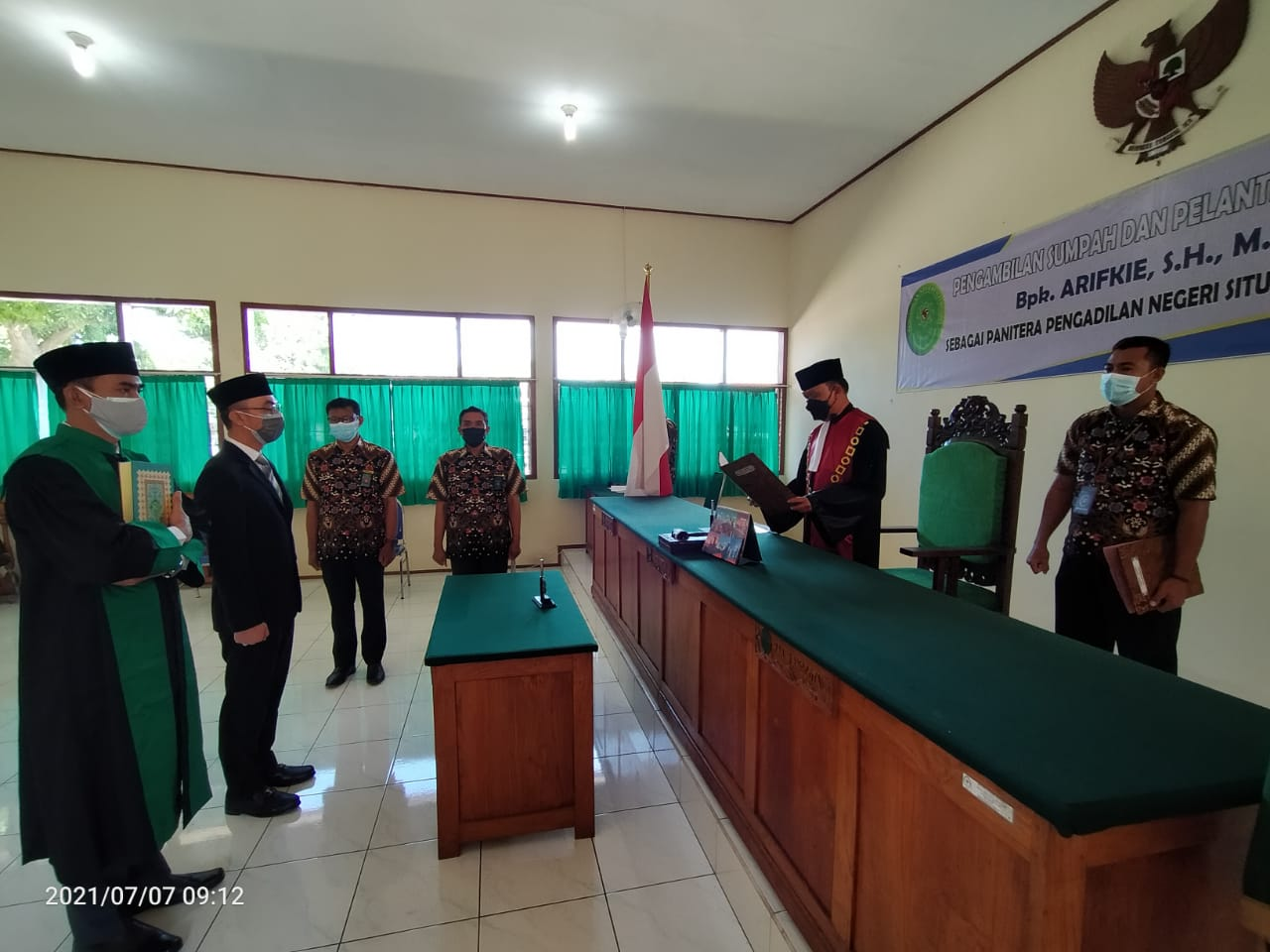 Pelantikan dan Pengambilan Sumpah Panitera Pengadilan Negeri Situbondo Bpk. Arifkie , S.H.,M.H.
